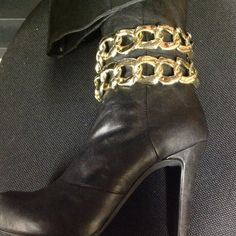 Gold chain boot or shoe bracelets. by cSsSculptureStudio on Etsy, $25.00