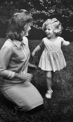 Cute Picture!! Jackie and Caroline