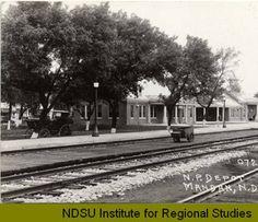 1910-1919 - N.P. Depot, Mandan, N.D. :: Post card of Mandan's historic railroad depot
