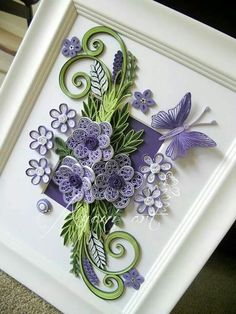 Ayani art: Purple and Green QuillingBeautiful pc by Ayani Art.Sztuki Ayani: fioletowy i zielony QuillingI like how the picture was matted first and then the quilling was mounted.Quilling about flowers and animals: stranamasterov. Neli Quilling, Quilling Butterfly, Paper Quilling Flowers, Paper Quilling Patterns, Origami And Quilling, Quilled Paper Art, Quilling Paper Craft, Paper Crafts, Butterfly Flowers