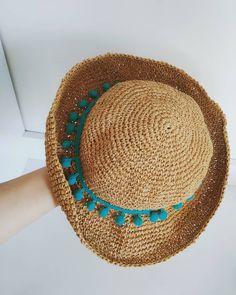 """@yunanheykeli2 Instagram profilinde paylaşımda bulundu: """"Şapkam 💙 . . . #şapkamodelleri #şapka #hasırşapka#üretenkadınlar #üretmutluol"""""""