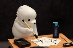The art of Sumi-e. Photo by Criss Garcia #toy #kubrick #hedgehog