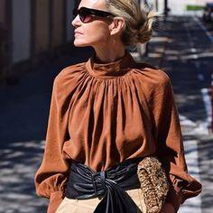 PATRIZIA CASARINI 🇮🇹 (@patzhunter) • Photos et vidéos Instagram Street Look, Street Style, Paris Fashion, Autumn Fashion, Older Models, Casual Wear, Bell Sleeve Top, Instagram, Outfits