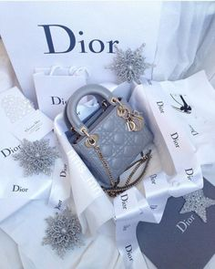 c80e552803a7   i.prefer.not.giving.my.name  Dior Handbags