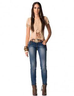 Arizona Spirit Sexy Cowgirl, Jean Outfits, Love Fashion, Bell Bottom Jeans, Dressing, Skinny Jeans, My Style, Cute, How To Wear