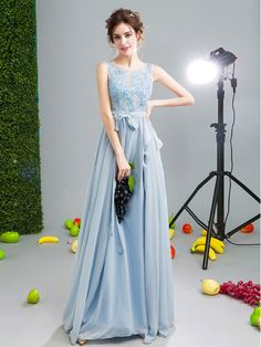 Charming Appliques A-Line Beading Scoop Backless Floor-Length Evening Dress