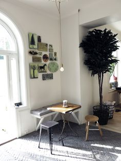 Bolina | Stabekk, Norway...Love the use of a small space for a breakfast area
