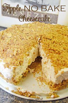 Apple NO BAKE Cheesecake. Graham Cracker Crust with cream cheese/apple pie filling. #cheesecake #apple #nobake  http://www.3glol.net