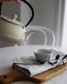 I could do with more than a cup of warm tea this cool Monday morning. Thanks to my lovely cast iron teapot my morning is all warmed up. Ready for the week ahead? Monday Morning, Teapot, Cast Iron, Tea Time, Warm, Cool Stuff, Tableware, Instagram Posts, Tea Pot