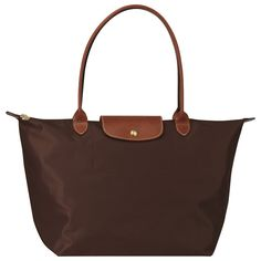 one of the best gifts i ever got!!! love this thing ... brown may be the next color i get .. post graduation #longchamp
