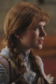 Pin for Later: Look Wickedly Beautiful in These Once Upon a Time Halloween Costumes Anna, Season 4