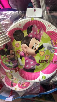 Minnie mouse cups and plates Minnie Mouse Party, Mouse Parties, Cups, Plates, Home Decor, Licence Plates, Mugs, Dishes, Decoration Home