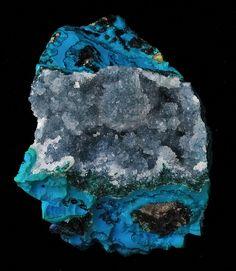 Quartz on Chrysocolla, Pinal County, Arizona. Minerals And Gemstones, Crystals Minerals, Rocks And Minerals, Stones And Crystals, Gem Stones, Natural Gemstones, Rock Collection, Beautiful Rocks, Mineral Stone