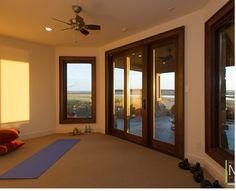 咖啡設系列,可以讓瑜珈教室看起來安定又放鬆