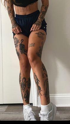Hand Tattoos, Dainty Tattoos, Pretty Tattoos, Body Art Tattoos, Girl Tattoos, Full Body Tattoos, Tatoos, Shin Tattoo, Knee Tattoo