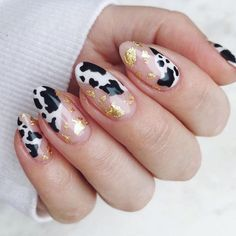 Nail art Christmas - the festive spirit on the nails. Over 70 creative ideas and tutorials - My Nails Nail Art Cute, Nail Design Glitter, Nails Design, Gel Manicure Designs, Cow Nails, Nails Today, Minimalist Nails, Funky Nails, Best Acrylic Nails