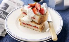 Fruit and yoghurt French toast: French toast that is decadently delicious without the unwanted calories. Cooking Recipes, Healthy Recipes, Cooking Ideas, Healthy Foods, Diabetic Living, Food For Thought, Delish, French Toast, Healthy Eating