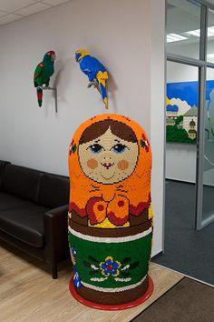 LEGO Babushka Nesting Doll! LEGO's Moscow Office. #lego #legosculptuer #legomodel #russian #babushka #nestingdoll #doll #legodoll #moscow #legomoscow #legorussia