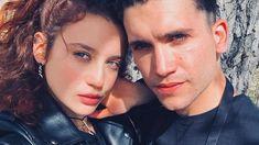 Elite : Jaime Lorente et Maria Pedraza en couple ? Films Netflix, Shows On Netflix, Liam Hemsworth, Series Movies, Tv Series, Kayla Ewell, Michael Trevino, Nikki Reed, Millie Bobby Brown