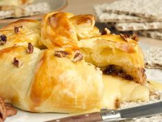 Bacon, Balsamic Shallot & Black Garlic & Brie In Phyllo - holiday appetierz Holiday Appetizers, Holiday Recipes, Great Recipes, Phyllo Recipes, Garlic Recipes, Baked Camembert, Baked Brie, Brie En Croute, Fast Good