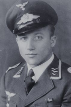 Oberfeldwebel Otto Menges (1917-1944), Zugführer in der 6./Fallschirmjäger Regiment 1, Ritterkreuz 09.06.1944
