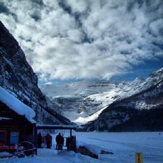 #LakeLouise#Canada Top Travel Destinations, Best Places To Travel, Places To Visit, Ski Canada, Canada Travel, Lake Louise Ski Resort, All About Canada, North Country, Business Centre