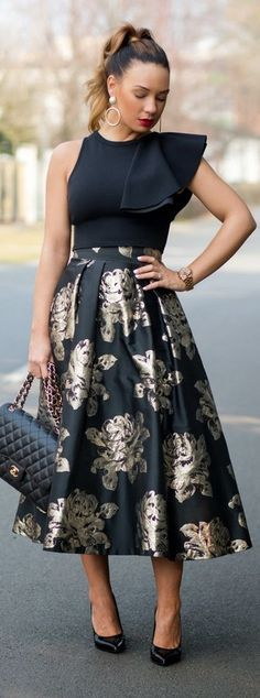 Statement Skirt / Fashion By Cashmere In Style