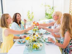 Sommerparty Gartenparty in gelb und aqua türkis Aqua, Table Decorations, Business, Image, Yellow Turquoise, Sprinkler Party, Helpful Tips, Photoshoot, Water