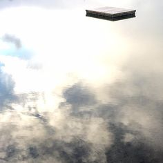 a pontoon in the sky. #newzealand#auckland#judgesbay#farawaynz#reflection#aotearoa#longwhitecloud#beautiful