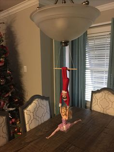 Elf on the Shelf, flying trapeze