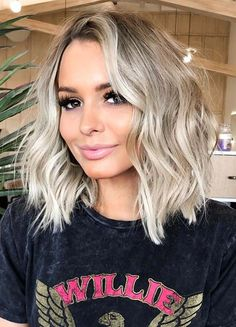 Pretty Medium Blonde Haircut Styles to Show Off in 2020 styles for medium length 2020 easy Pretty Medium Blonde Haircut Styles to Show Off in 2020 Blonde Hair Cuts Medium, Medium Hair Styles, Short Hair Styles, Braid Styles, Medium Length Blonde Hairstyles, Medium Haircuts For Women, Short To Medium Haircuts, Haircut Medium, Short Cuts