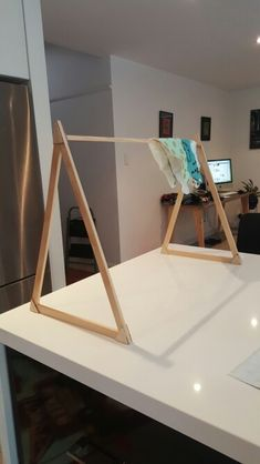Small portable display stand for markets