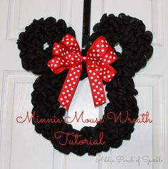 Super for a Minnie themed party! From Add A Pinch Of Sparkle: Minnie Mouse Wreath: Tutorial Disney Christmas Decorations, Mickey Christmas, Christmas Crafts, Valentine Crafts, Minnie Mouse Gifts, Mickey Mouse Crafts, Disney Diy, Disney Crafts, Wreath Crafts