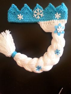 Your little girl will love it!    Your crown is hand crafted from acrylic yarn with sweet little felt snowflakes. Please allow a couple of days to create your unique crown.    Crown/Wig is available in the following sizes:    Toddler - 16 - 18 inches  Child - 19 - 21 inches    Please note style of snowflakes vary depending upon availabliity.    I accept custom requests so if you want something else just ask!    Shipping to the us is via USPS first class mail with tracking information…