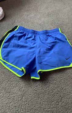 youth large nike running shorts fit 00-2 Nike Running Shorts, Nike Shorts, Workout Shorts, Gym Shorts Womens, Athlete Workout, Nike Dri Fit, Youth, Athletic, Fitness