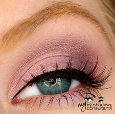 MAC eyeshadows used: Seedy Pearl (inner half of lid) Trax (outer half of lid, carried into crease) Blanc Type (blend)