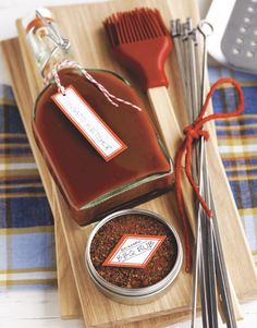 Great for Gift Basket Idea! Flavorful Grilling Gear Show you really care with a bottle of homemade ketchup! Add a DIY dry rub, skewers, and a basting brush, and present it all on a cutting board, wrapped in cellophane and tied with a bow. Diy Food Gifts, Bbq Gifts, Grilling Gifts, Edible Gifts, Homemade Gifts, Cool Gifts, Homemade Bbq, Grilling Recipes, Funky Gifts