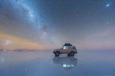 空と湖の境目はどこへ…。ウユニ塩湖に映る星空を撮影したら息を呑む美しさ|ギズモード・ジャパン