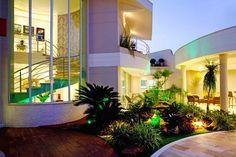 Casa Parque em Campinas/SP     Venho compartilhar com vocês mais um lindo e admirável projeto do arquiteto Aquiles Nícolas Kílaris, um d...