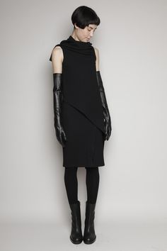 Ann Demeulemeester dress, boots, and gloves Dark Fashion, Urban Fashion, Pretty Outfits, Beautiful Outfits, Got The Look, Style Me, Black Style, Ann Demeulemeester, Dress Me Up