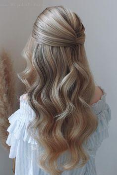 Wedding Hair Down, Wedding Hair And Makeup, Hair Down For Prom, Hair Down Prom Styles, Wedding Hair Blonde, Hair Styles For Wedding, Casual Wedding Hair, Prom Makeup, Bride Hairstyles