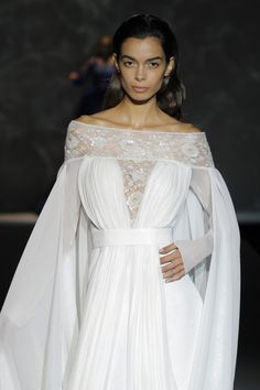 Barcelona Bridal Week 2014: Isabel Zapardiez