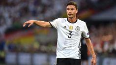 + Fußball, Transfers, Gerüchte +: Hector schlägt Barca-Offerte wohl aus