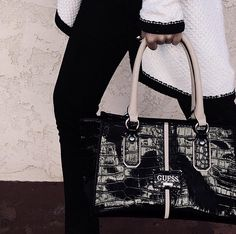 #styletip: You can never go wrong with a great bag.