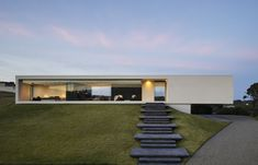 Architecture Discover Cantilevering modern home redefines the ranch house Minimalist Architecture, Contemporary Architecture, Art And Architecture, Minimalist Design, Ancient Architecture, Sustainable Architecture, Classical Architecture, Modern House Design, Home Design