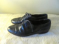 vintage black Italian leather mens wingtip oxfords by mellowrabbit, $36.00