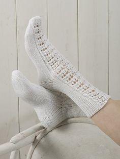 Nordic Yarns and Design since 1928 Lace Knitting, Knitting Socks, Knit Crochet, Lace Patterns, Knitting Patterns, Pattern Ideas, Knitting Ideas, Mitten Gloves, Mittens