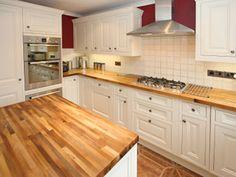 armoires de cuisine et comptoir en bois