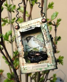 art assemblage bird box for spring adapt for Christmas Matchbox Crafts, Matchbox Art, Altered Tins, Altered Art, Little Box, Paper Art, Paper Crafts, Assemblage Art, Bird Art