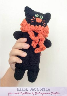 Free pattern: Black Cat Softie in Red Heart Super Saver with Fairfield Poly-Fil stuffing by Underground Crafter Crochet Cat Pattern, Easy Crochet Patterns, Crochet Patterns Amigurumi, Crochet Designs, Softie Pattern, Crochet Toys, Crochet Ideas, Crochet Gratis, Free Crochet